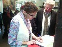 Signature charte démarche Geopark Beaujolais
